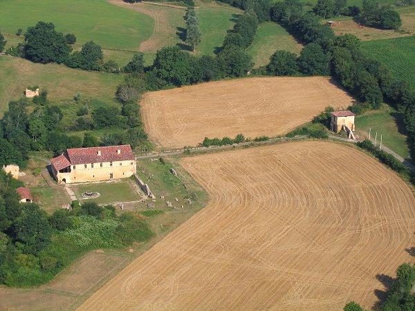 vue aerienne de l'abbaye de Bonnefont à Proupiary