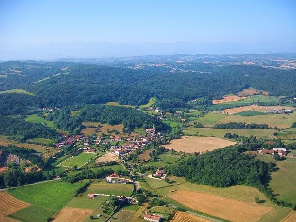Photo aérienne de Boussan en Haute-Garonne