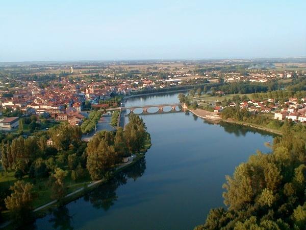 vue aerienne de Cazeres sur Garonne