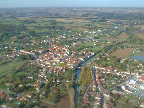 vue aerienne de L'Isle-en-Dodon