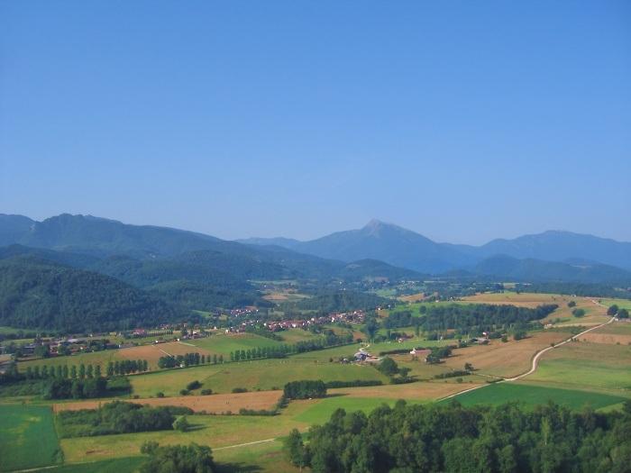 vue aerienne de la commune d'Estadens