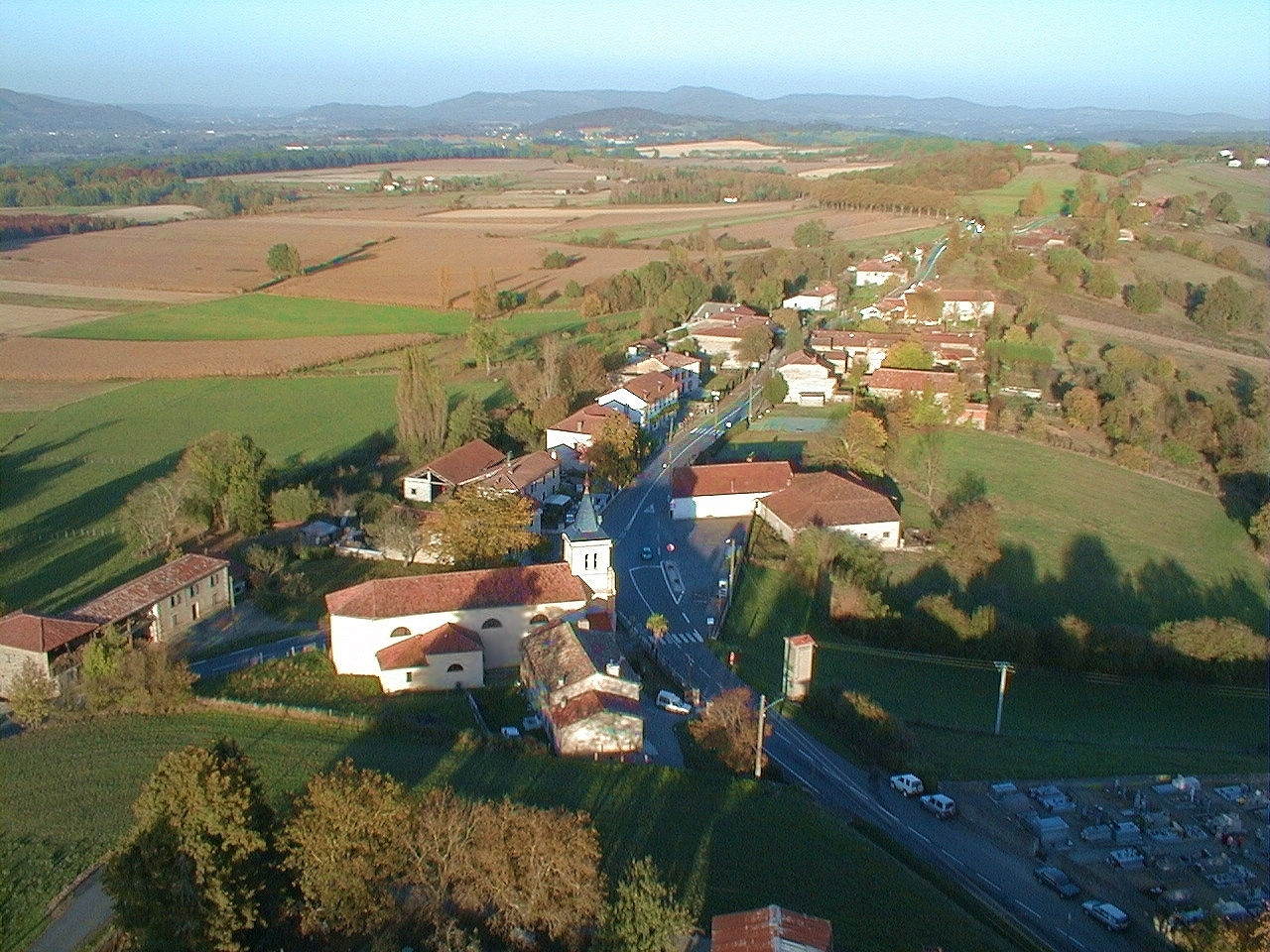 Photo aerienne  de la commune de Figarol
