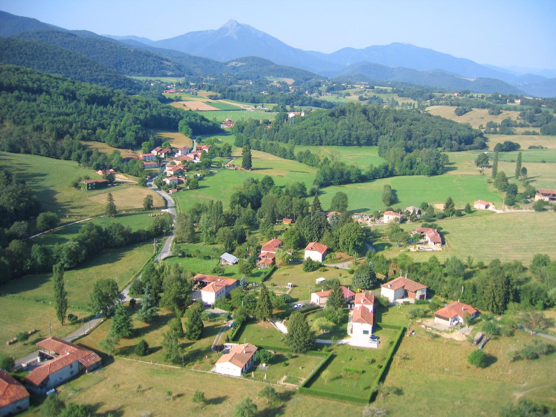 Photo aerienne en grand format de la commune de Font de la vielle