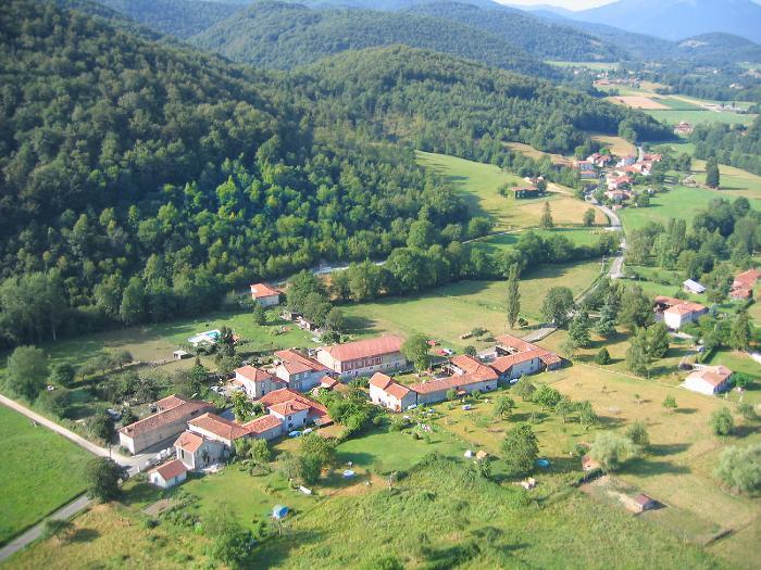 vue aerienne de Lassere à Estadens