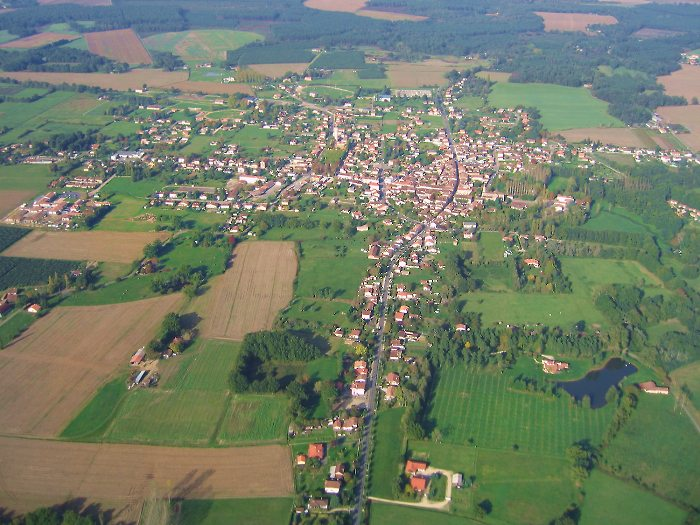 photo aérienne de la ville de Gabarret