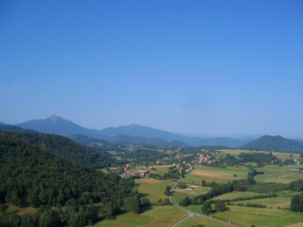 vue aerienne de Lasserre, Font de la vielle, et Estadens