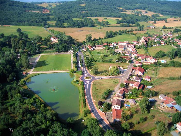 vue aerienne de Latoue