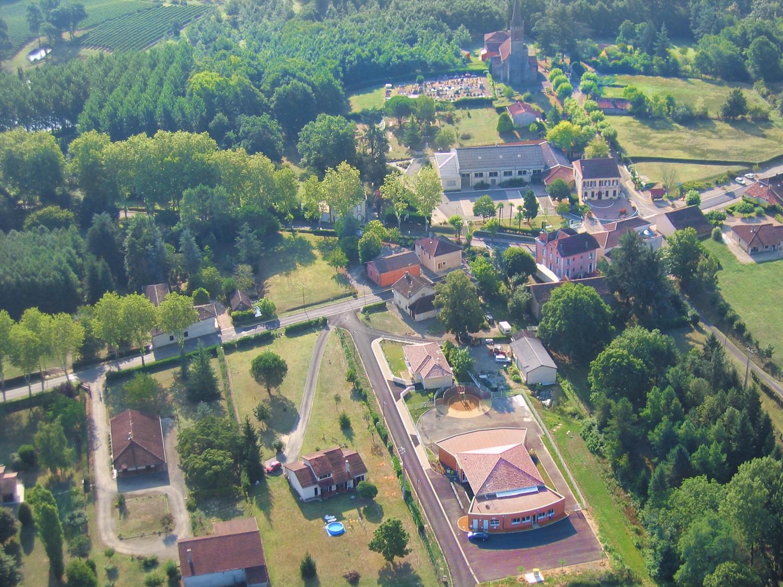 Vue aérienne de Laujuzan