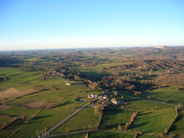 vue aerienne de Le Boué, Arnaud-Guilem