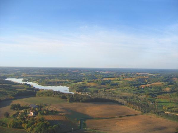 Vue aerienne du Lac de l'Uby
