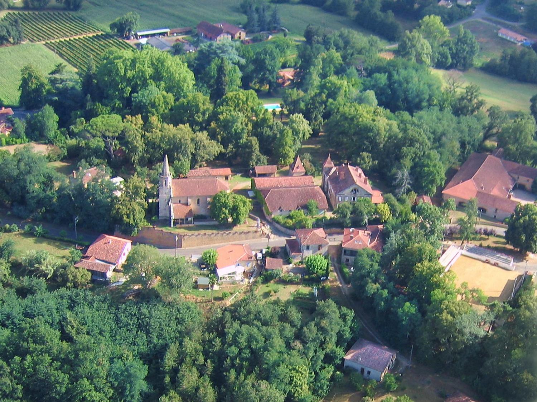 Vue aerienne de Monlezun d'Armagnac