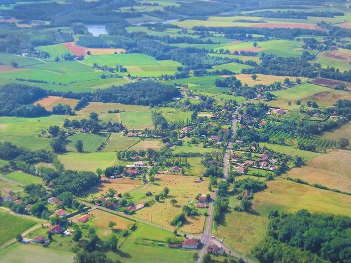 Vue aérienne générale du Bourg de Parleboscq
