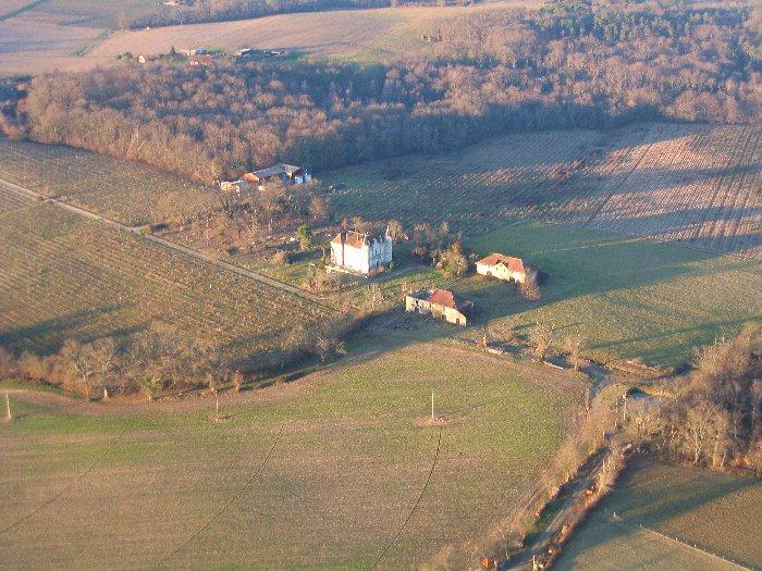 Vue aérienne du Chateau Tour Blanc à Parleboscq